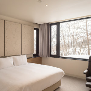 八 寝室 ダブルベッド