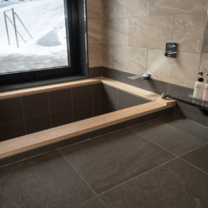 八 檜風呂
